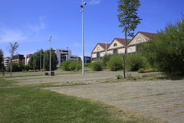 Docks Dombasle et jardin fluvial