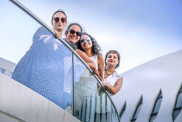 Le collectif La Houle (de gauche à droite) : Morgane Le Goueff, Isa Ninja, Chloé Kerfuric et Sarah Barbey. Sans oublier les DJs Nectaar (Mickael Scala) et La Berthe (Bertille Topin), absents de la photo