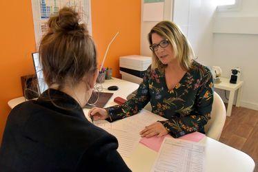 """Florence Faure, psychologue et coach en orientation : """"Donner un sens à ses études pour se projeter dans un projet professionnel"""""""