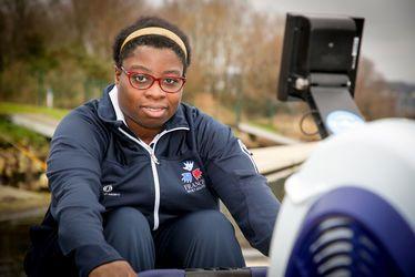Grace Koumda, rameuse à la Société Havraise de l'Aviron, section sport adapté