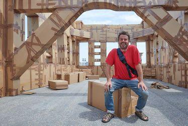 L'artiste Olivier Grossetête ouvrira la saison d'Un Été Au Havre avec les Cités oubliées, une immense ville éphémère en carton