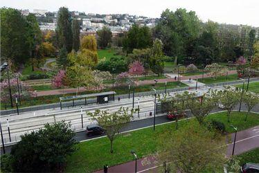 Un parc arboré à l'entrée Sud du square Saint-Roch - Perspective à 5 ans