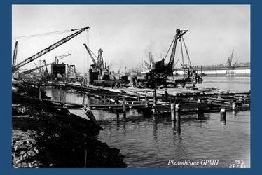 La reconstruction du port du Havre
