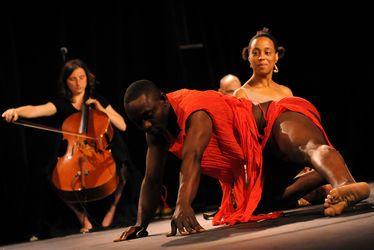 Danses africaines cérémonielles et influences sur la danse contemporaine