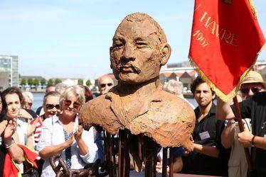 Sculpture à la mémoire de Jules Durand, syndicaliste havrais, docker charbonnier sur le Port du Havre / Réalisée par Hervé Delamare
