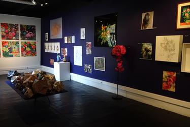 Florales, la fleur dans l'art contemporain