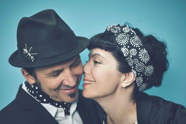 Lili CROS et Thierry CHAZELLE - hip hip hip
