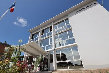 mairie-bibliotheque-graville-facade.jpg