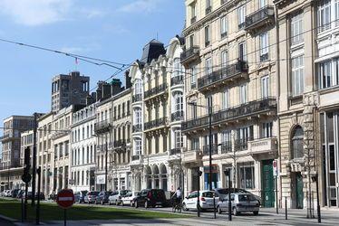 Enjeux politiques, Expériences post coloniales, rénovations urbaines et futurs de l'hôpital