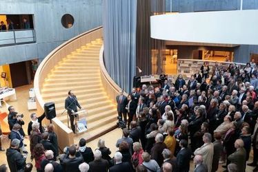 La bibliothèque Oscar Niemeyer inaugurée