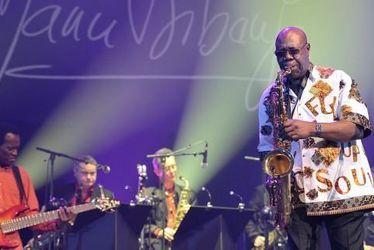 """moZ'aïque - Manu Dibango : """"Mon métier est simplement de jouer de la musique pour le public"""""""