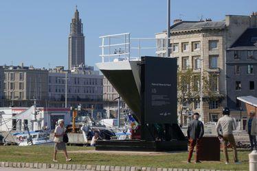 La proue du mythique paquebot France revient définitivement au Havre le 26 septembre
