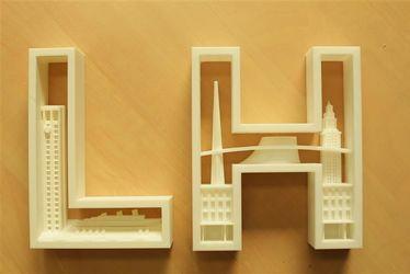 Boris Lembicz, co-fondateur du FabLab, a réalisé cette œuvre LH en 3D. Il envisage de la commercialiser sur Internet.