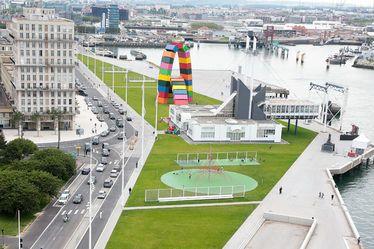 Le projet de requalification du quai de Southampton s'est vu attribuer l'Équerre d'argent d'architecture 2020, décernée par le magazine Le Moniteur, dans la catégorie Espaces publics et paysagers