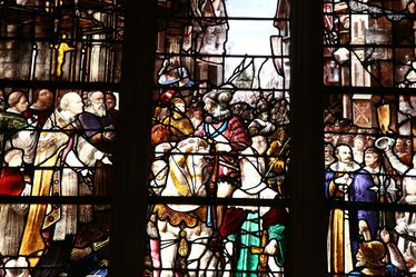 Le vitrail Henri IV de retour à Notre-Dame