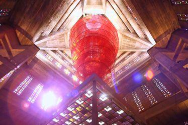 Accumulation of Power, de Chiaru Shiota - Eglise Saint-Joseph