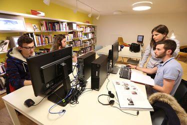 Se former gratuitement au numérique dans les bibliothèques