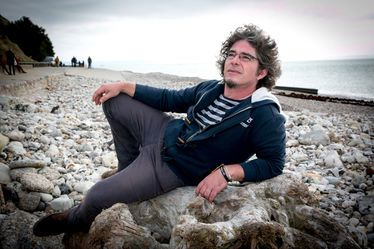 "Gaël Besnard, Psyché d'Ethnik : ""Bois flottés et objets rétro insprirent mes créations"""
