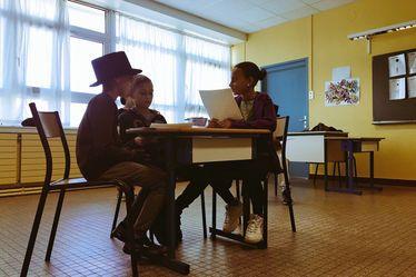 Une classe des enfants du voyage et une de CM1 de l'école George Sand ont exploré l'œuvre de Jules Verne dans le cadre des médiations du festival Le Goût des Autres