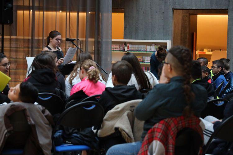Par le biais des médiatitions portées par le festival littéraire Le Goût des Autres, des élèves havrais (re)découvre le plaisir de l'écriture. Voyage en francophonie