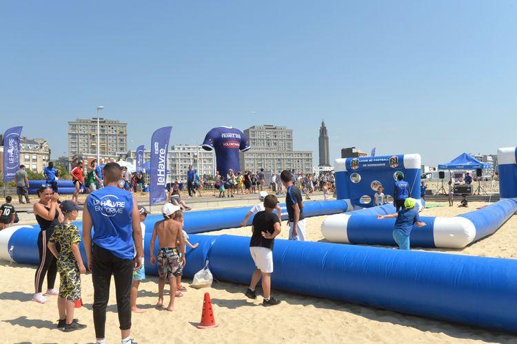 Un village à la plage pour vivre la FIFA Fan Expérience