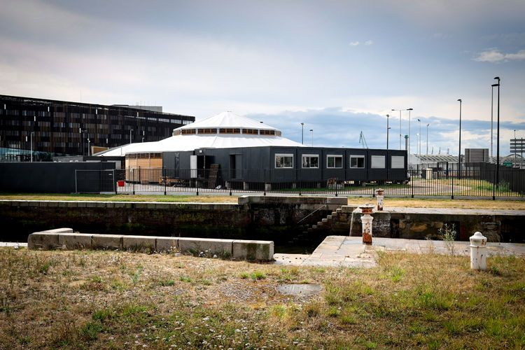 Le Magic Mirrors rouvre ses portes après avoir élu domicile au bord du bassin Vauban