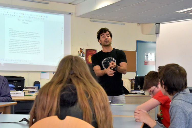 L'écrivain tunisien Yamen Manai en atelier d'écriture avec les élèves havrais du collège Marcel Pagnol
