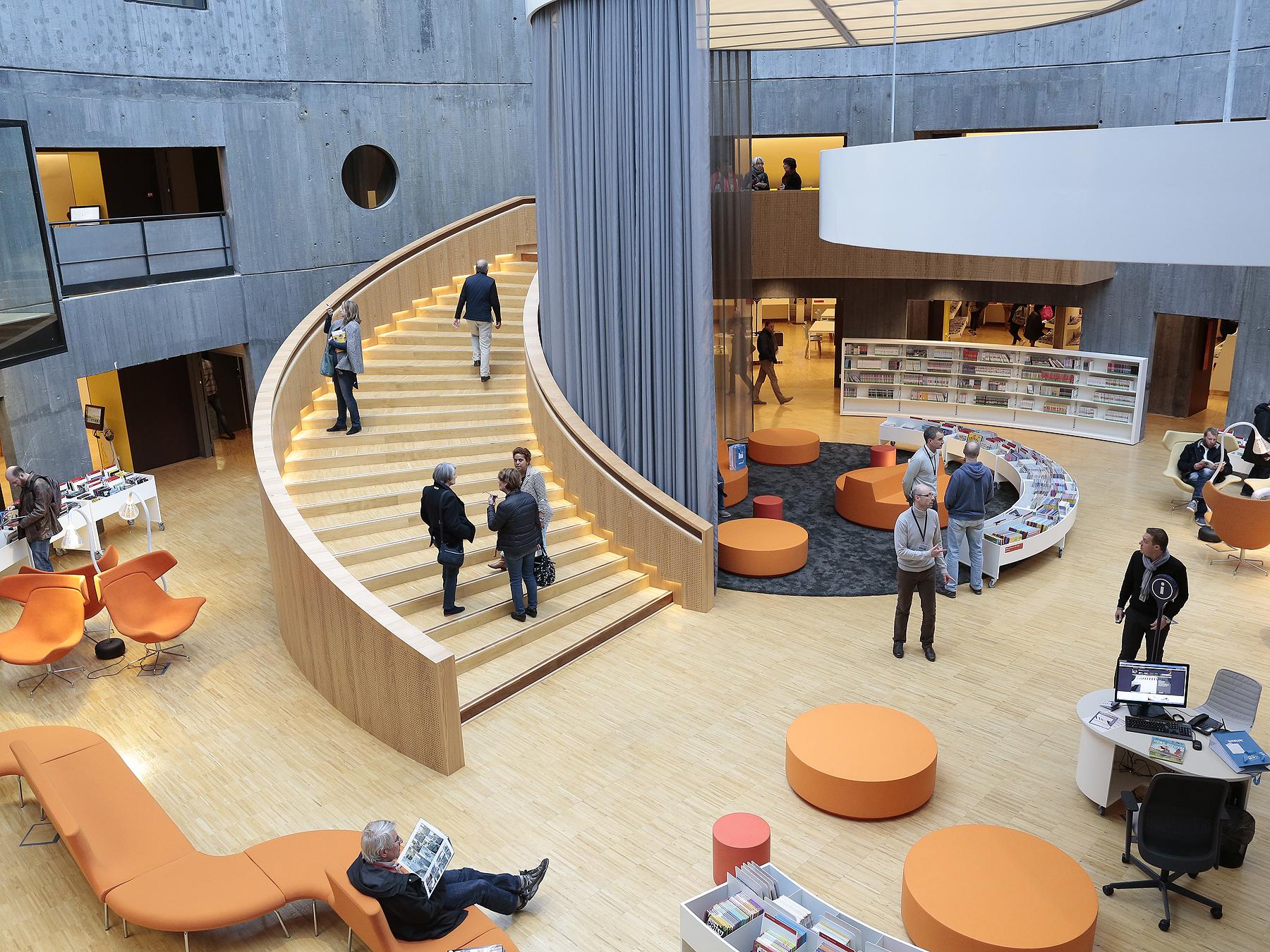 """Résultat de recherche d'images pour """"Bibliothèque Oscar Niemeyer au Havre"""""""